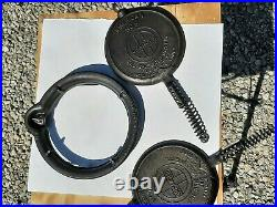Vintage Antique Griswold Cast Iron No. 8 Waffle Iron rare CLOWS model. 234/235